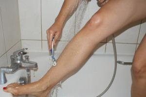 press-releases-woman-shaving-legs